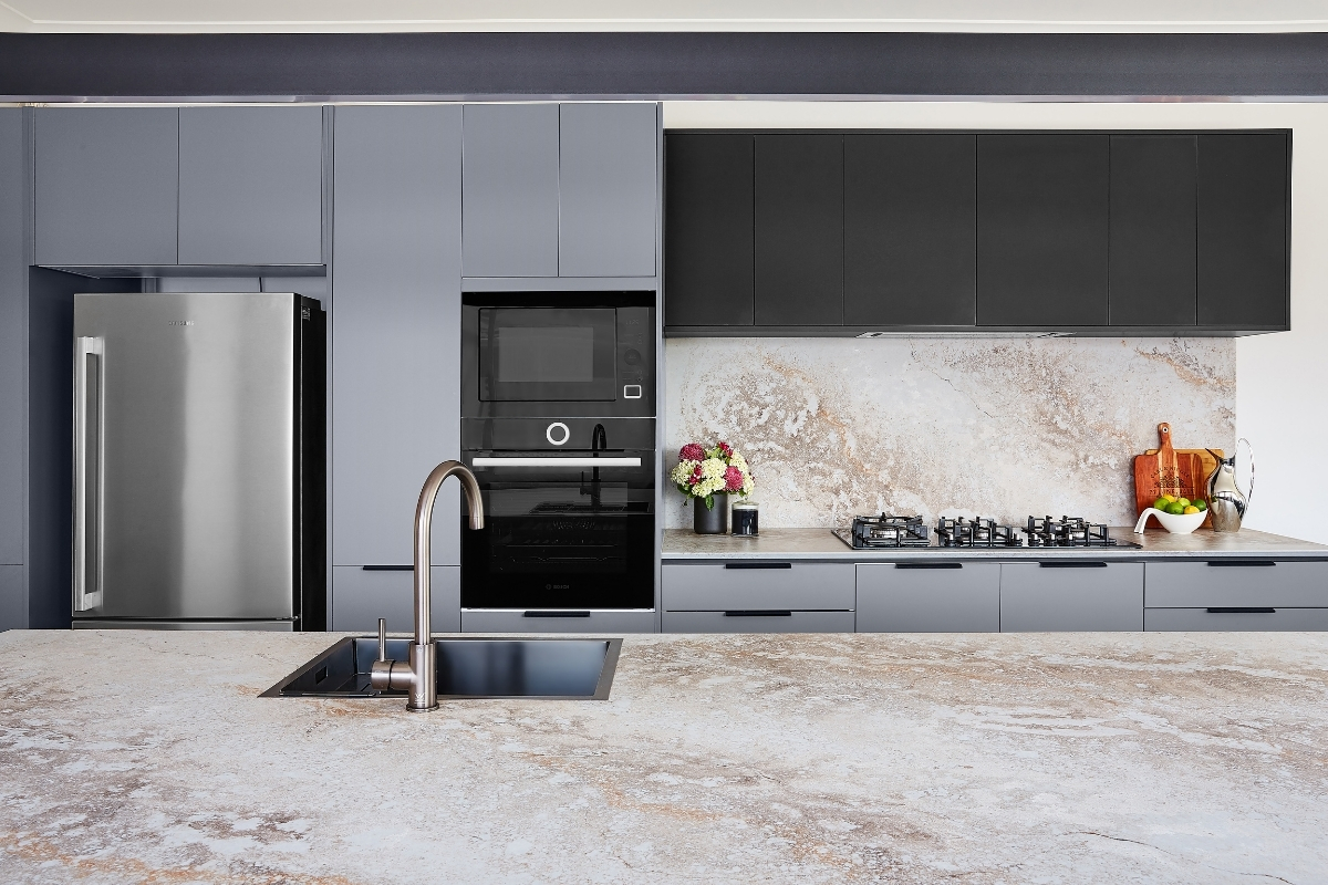 Grey kitchen with caesarstone benchtop and splashback